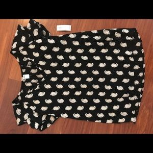 Old Navy- Black and white patterned top